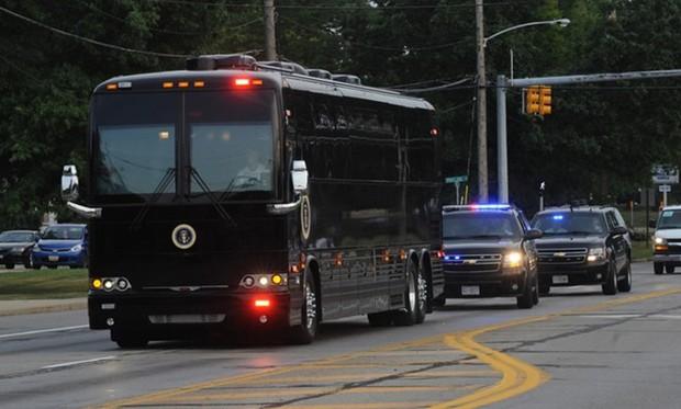 """Khám phá siêu xe bus chống đạn """"Ground Force One"""" dành cho Tổng thống Mỹ - Ảnh 5."""