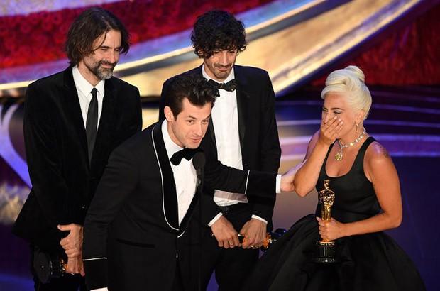 9 khoảnh khắc khó quên nhất tại lễ trao giải danh giá Oscar 2019 - Ảnh 8.