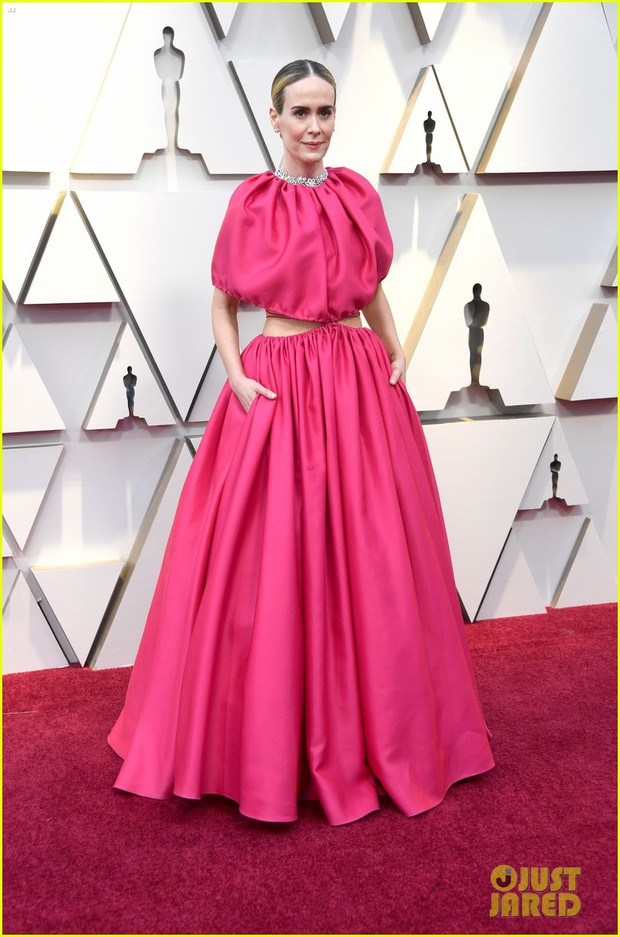 Thảm đỏ Oscar 2019: Lady Gaga bị tình tin đồn bỏ rơi, dàn Con nhà siêu giàu châu Á đọ sắc siêu anh hùng Marvel, DC - Ảnh 42.
