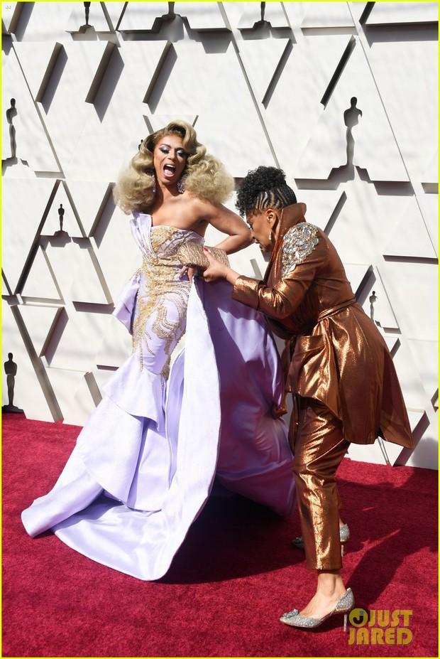 Thảm đỏ Oscar 2019: Lady Gaga bị tình tin đồn bỏ rơi, dàn Con nhà siêu giàu châu Á đọ sắc siêu anh hùng Marvel, DC - Ảnh 29.