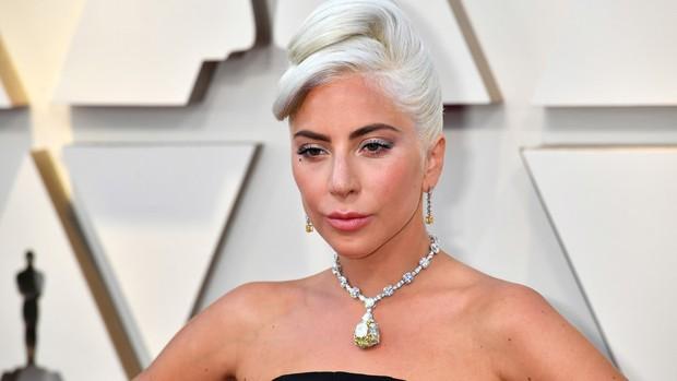 Phát sốt vì vòng kim cương siêu to của Lady Gaga trên thảm đỏ Oscar: Tới cả nghìn tỉ, Audrey Hepburn cũng từng đeo - Ảnh 2.