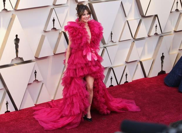 Dành cho cuối ngày: Những bộ cánh Oscar 2019 khiến bạn bật cười trong đêm hoặc đánh bay mọi xúc cảm - Ảnh 1.