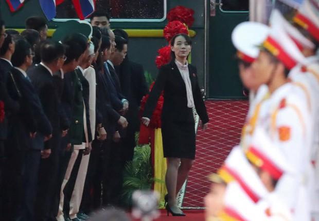 Hình ảnh ông Kim Jong Un lần đầu xuất hiện tại Việt Nam qua ống kính phóng viên quốc tế - Ảnh 8.