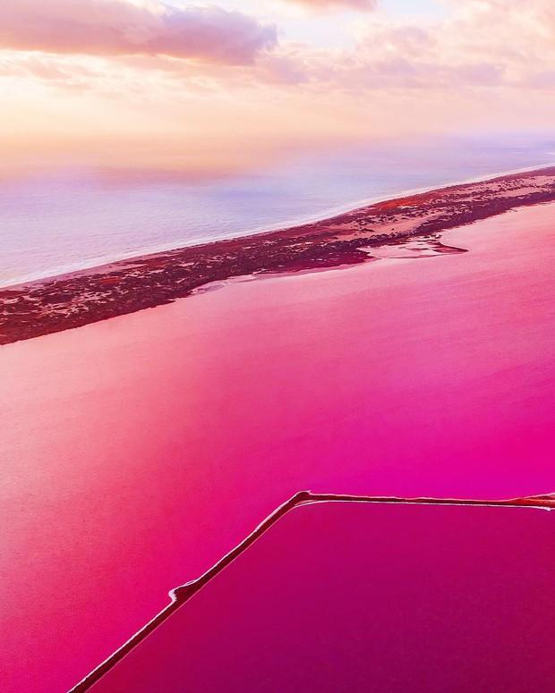 Tương truyền rằng chàng trai nào dẫn bạn gái đến hồ nước màu hồng siêu ảo này sẽ được cô ấy yêu trọn đời - Ảnh 6.