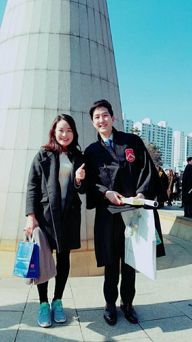 Xuất hiện nam phóng viên cực phẩm với góc nghiêng thần thánh tác nghiệp trong sự kiện thượng đỉnh Mỹ - Triều ở Hà Nội - Ảnh 7.