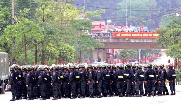 Hình ảnh ông Kim Jong Un lần đầu xuất hiện tại Việt Nam qua ống kính phóng viên quốc tế - Ảnh 10.