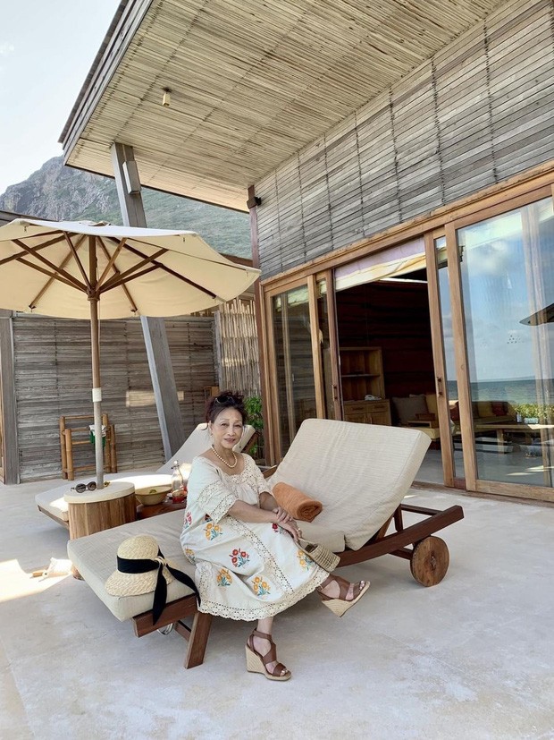 Mẹ của Hoàng Ku chính là đại diện cho kiểu phụ huynh mê sống ảo khi du lịch nhưng hơi vất vả vì thiếu kỹ năng - Ảnh 9.