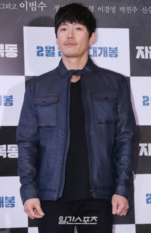 Bi Rain mời PSY cùng dàn sao khủng đến dự, Kang Sora và bạn gái cũ Kim Bum đọ chân dài cực phẩm tại sự kiện - Ảnh 15.