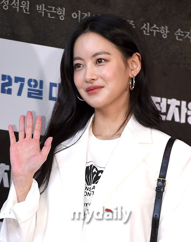 Bi Rain mời PSY cùng dàn sao khủng đến dự, Kang Sora và bạn gái cũ Kim Bum đọ chân dài cực phẩm tại sự kiện - Ảnh 9.