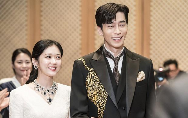The Last Empress tập đặc biệt : Shin Sung Rok hồi sinh sau khi bị biên kịch nả đạn ngay tim! - Ảnh 1.