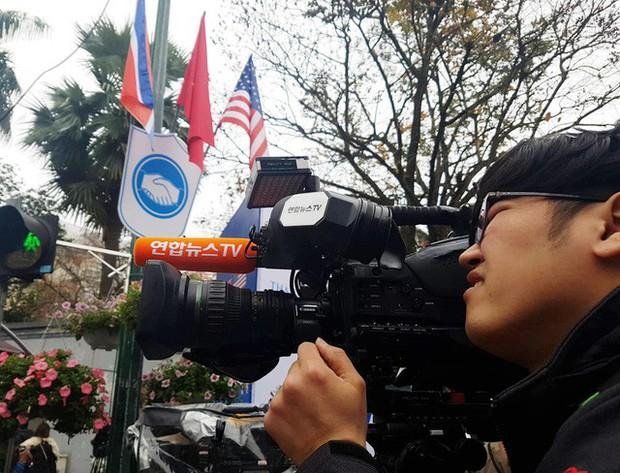 Hội nghị Thượng đỉnh Mỹ - Triều: Phóng viên nước ngoài tác nghiệp như thế nào? - Ảnh 5.