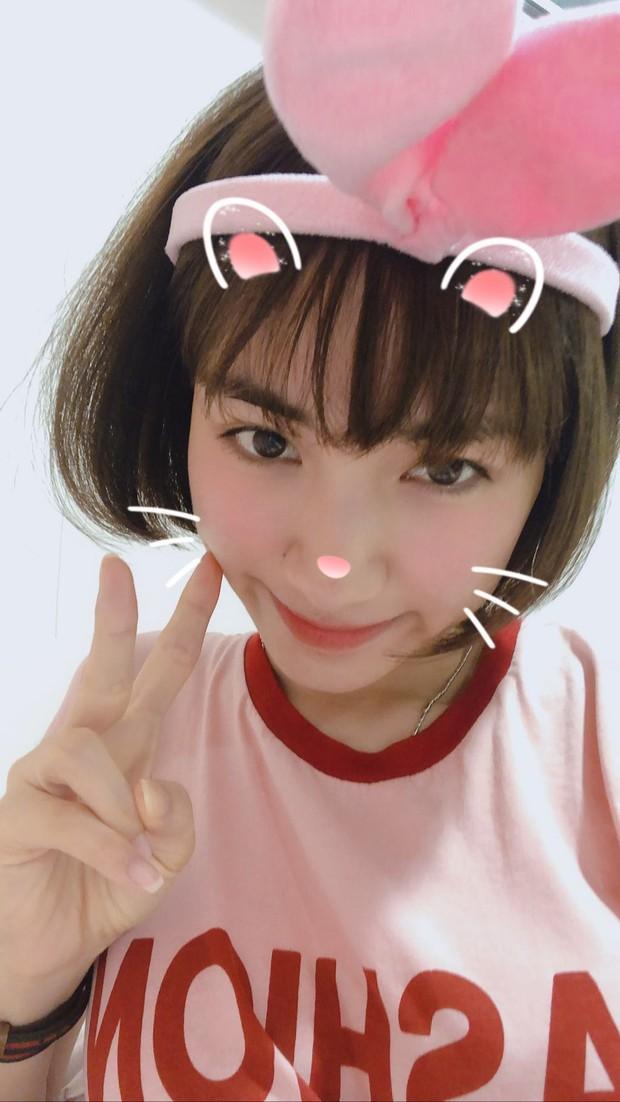 """Hòa Minzy bất ngờ xuống tóc: Trẻ trung, xinh xắn mà còn """"hack tuổi"""" đáng kể - Ảnh 4."""