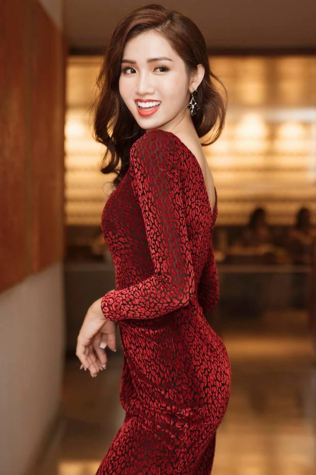 """Clip: Nhật Hà """"bắn"""" tiếng Anh cực lưu loát, thể hiện rõ sự khéo léo khi trả lời phỏng vấn tại Hoa hậu Chuyển giới Quốc tế - Ảnh 3."""