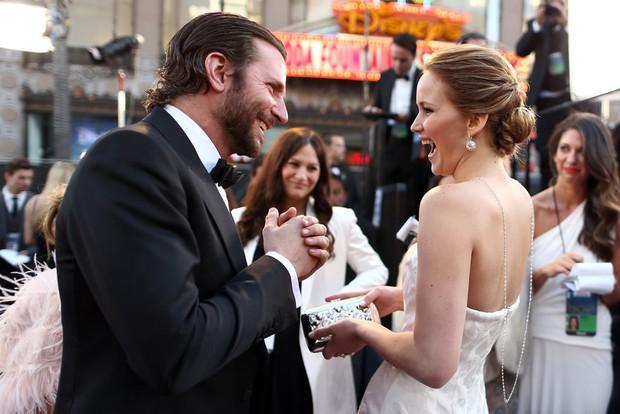 Bradley Cooper với 4 siêu phẩm, 7 lần đề cử, 0 giải đã soán ngôi thánh nhọ Leo trong Oscar! - Ảnh 10.