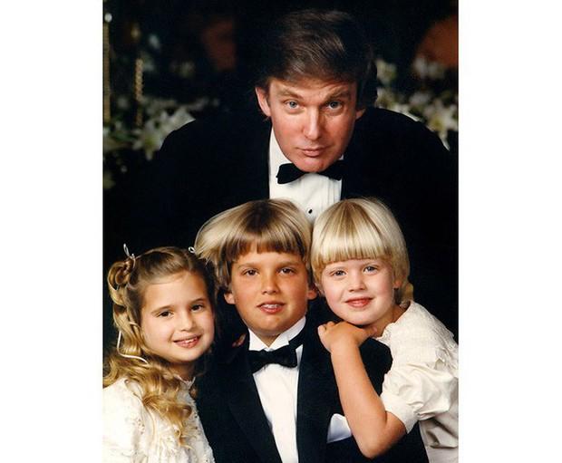 Đã tìm ra câu trả lời cho diện mạo xuất chúng của cậu út nhà Trump: Tất cả là nhờ thừa hưởng hết nét đẹp của bố - Ảnh 9.
