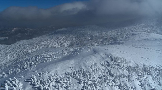 Tuyết phủ cao tới 17m, thung lũng quanh co ở Nhật được mệnh danh là The Wall đời thực - Ảnh 10.