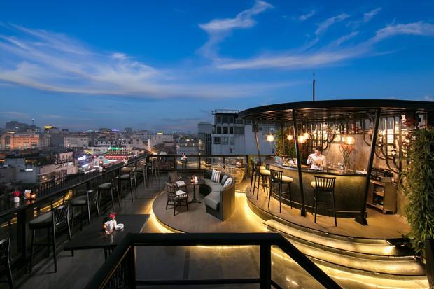Hoá ra địa điểm báo giới Hàn Quốc tác nghiệp cũng có một quán cà phê trên cao cực ảo diệu - Ảnh 3.