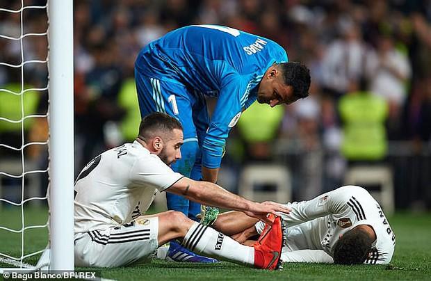 Nhà vô địch World Cup 2018 hé lộ chấn thương rợn tóc gáy sau thảm bại 0-3 của Real Madrid - Ảnh 2.
