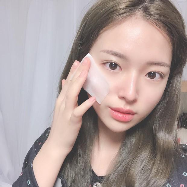 Nếu bạn cũng chăm sóc da như người ta mà không thấy da đẹp lên, hãy xem xét thay thế 3 sản phẩm này - Ảnh 2.