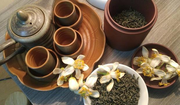 Người Hà Nội ăn uống thấy cưng, cứ tháng ba về là nhặt hoa ướp đủ thứ - Ảnh 6.