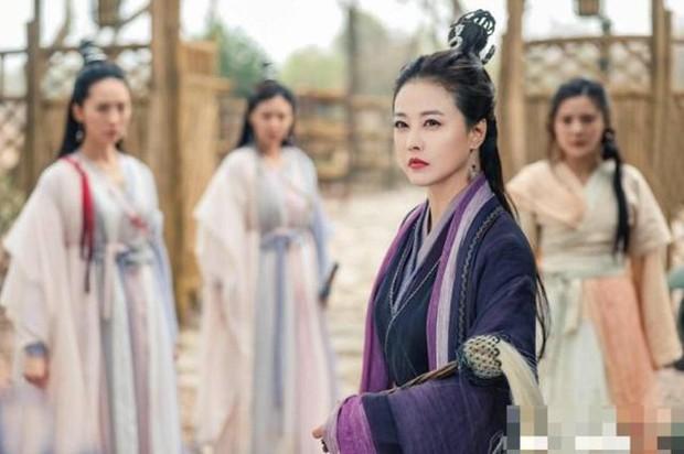 Muôn vẻ Chu Chỉ Nhược qua các thời kì: Cô 2009 như mẹ Trương Vô Kỵ, nàng 2019 xinh như nữ thần! - Ảnh 8.