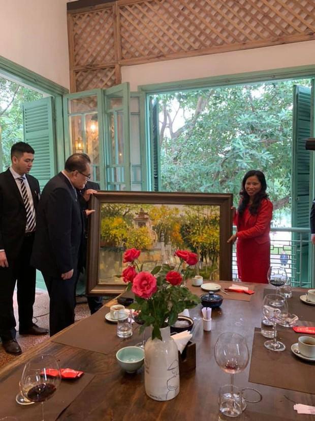Nữ ca sỹ quyền lực nhất Triều Tiên dành lời cảm ơn và khen đồ ăn Việt rất ngon - Ảnh 3.