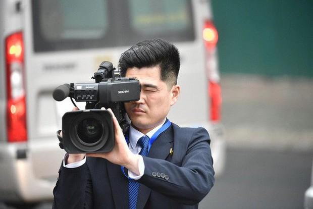 Phóng viên Triều Tiên ăn mặc chỉn chu tác nghiệp tại Hội nghị thượng đỉnh Mỹ - Triều - Ảnh 4.
