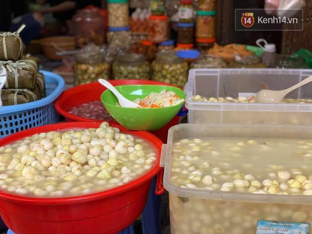 Chợ Hàng Bè đông đến kinh ngạc: giờ vẫn chưa sắm Tết thì đây là địa chỉ có tất cả mọi thứ ngon cho bạn - Ảnh 5.