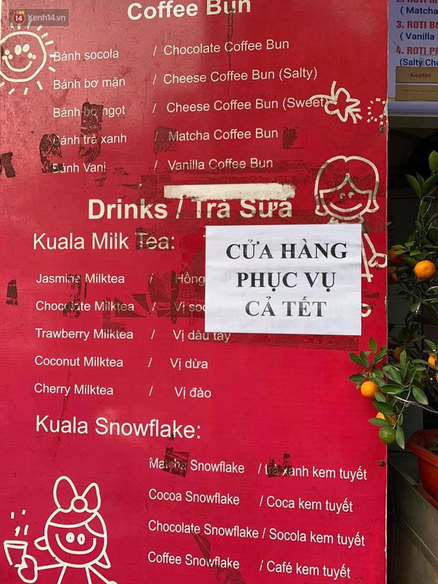 Hà Nội năm nay có quá nhiều hàng quán mở cửa xuyên Tết: Thèm ăn gì cũng có - Ảnh 4.