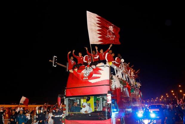 Qatar sáng rực trong đêm, sôi động chưa từng có trong ngày đón những người hùng trở về từ Asian Cup - Ảnh 7.