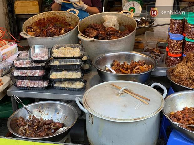 Chợ Hàng Bè đông đến kinh ngạc: giờ vẫn chưa sắm Tết thì đây là địa chỉ có tất cả mọi thứ ngon cho bạn - Ảnh 16.