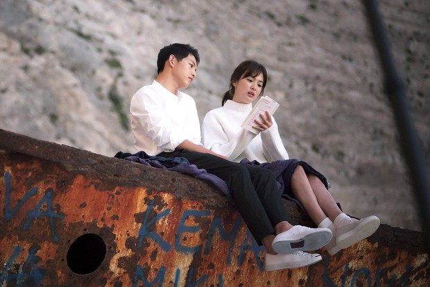 Vợ chồng Song Joong Ki - Song Hye Kyo phải chịu thua trước Lee Kwang Soo và bạn gái về khoản này! - Ảnh 5.