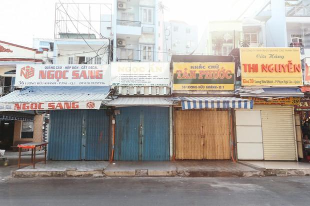Đây là khoảnh khắc khiến bạn nhận ra Sài Gòn đã chuyển từ đón Tết sang ăn Tết: Quán xá đóng cửa hàng loạt, phố phường bình yên chậm rãi - Ảnh 9.