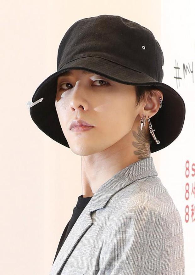 """YG hứa ca khúc mới của BLACKPINK có """"dạng đặc biệt"""", nhưng fan nghi 99% là không có MV vì đến poster còn """"xào"""" lại ảnh cũ thế này? - Ảnh 10."""