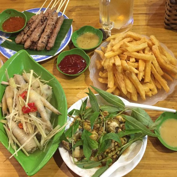 Hà Nội năm nay có quá nhiều hàng quán mở cửa xuyên Tết: Thèm ăn gì cũng có - Ảnh 11.