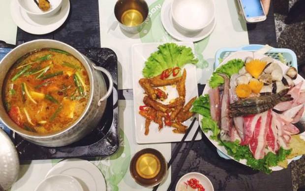 Hà Nội năm nay có quá nhiều hàng quán mở cửa xuyên Tết: Thèm ăn gì cũng có - Ảnh 18.