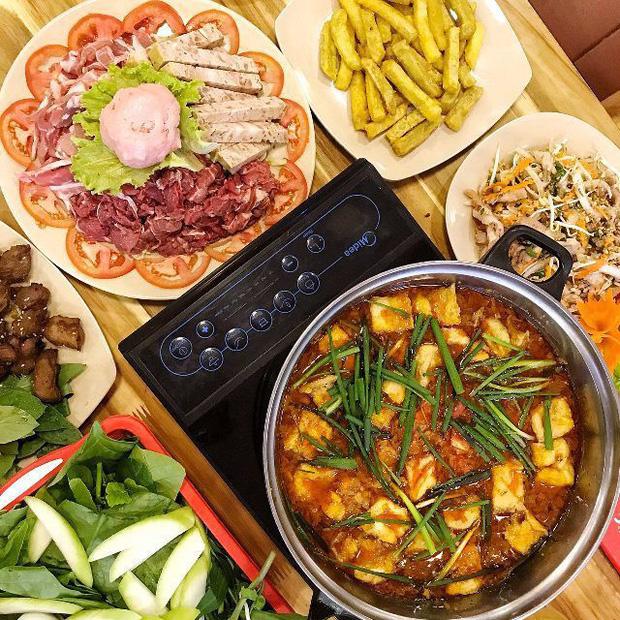 Hà Nội năm nay có quá nhiều hàng quán mở cửa xuyên Tết: Thèm ăn gì cũng có - Ảnh 7.