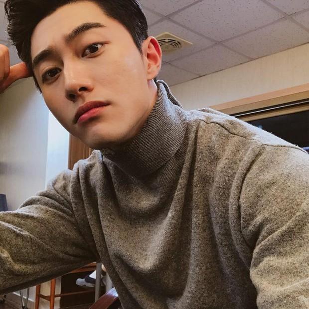 4 nam diễn viên Hàn được kì vọng kế vị Song Joong Ki, Park Bo Gum trong năm 2019 - Ảnh 2.