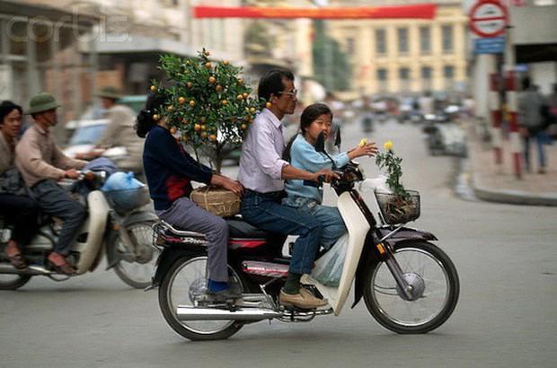 Khám phá Hà Nội ngày Tết những năm 90 qua lăng kính phóng viên nước ngoài - Ảnh 6.