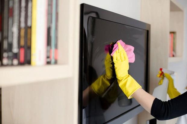 Cách vệ sinh điện thoại, laptop, tủ lạnh, máy giặt... để đón Tết - Ảnh 3.