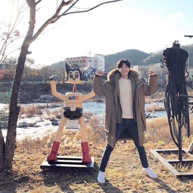 4 nam diễn viên Hàn được kì vọng kế vị Song Joong Ki, Park Bo Gum trong năm 2019 - Ảnh 5.