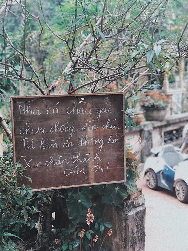 Yêu con gái như bố, sẵn sàng treo bảng thông báo: Chưa chồng, đến chúc Tết làm ơn không hỏi - Ảnh 2.