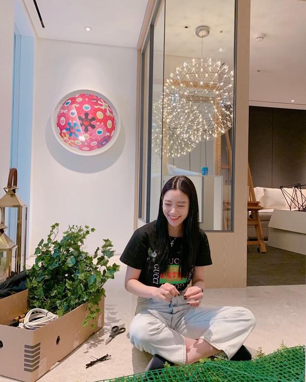 Ngày 30 Tết, Bom sex xứ Hàn vọt lên top 1 Naver vì khoe nhà triệu đô ở tòa cao thứ 5 thế giới sau khi cưới đại gia - Ảnh 9.