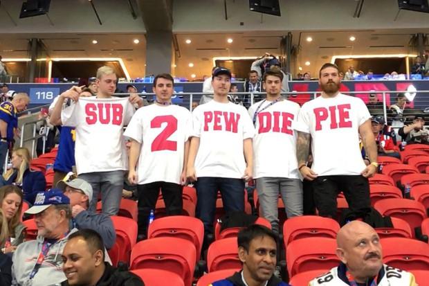 Sau màn cởi áo của Adam Levine, trò câu fame lầy lội tại Super Bowl này cũng đang khiến cả Internet phải trầm trồ - Ảnh 2.