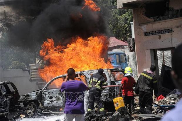 Đánh bom xe tại khu chợ đông đúc ở Somalia, ít nhất 9 người thiệt mạng - Ảnh 1.