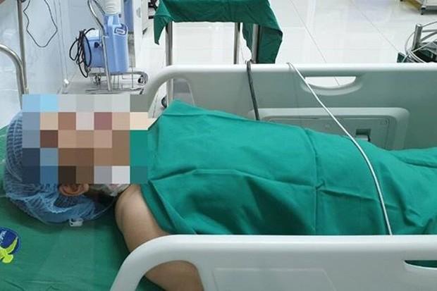 Chuyện cảm động đêm giao thừa: Người phụ nữ mang thai nguy kịch không có tiền mổ, bác sĩ cứu trước tính sau - Ảnh 1.