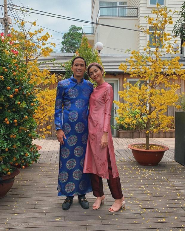 Đã thành thói quen, cứ mùng 1 Tết là từ sao tới hot girl Việt lại diện áo dài tưng bừng - Ảnh 2.