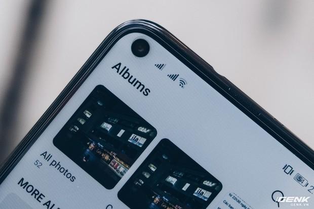 Smartphone năm 2019 sẽ như thế này đây: Trên tay Huawei Nova 4 với màn hình đục lỗ - Ảnh 4.