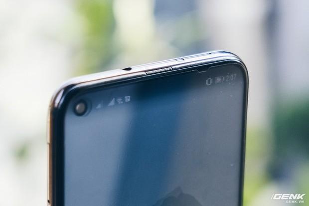Smartphone năm 2019 sẽ như thế này đây: Trên tay Huawei Nova 4 với màn hình đục lỗ - Ảnh 7.
