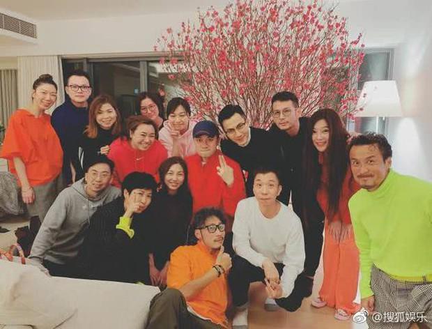 Tết đầu tiên hậu ly hôn với Dương Mịch, Lưu Khải Uy vui vẻ tụ tập cùng bạn bè giải khuây - Ảnh 1.